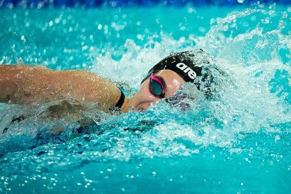 swimming 3448079 640