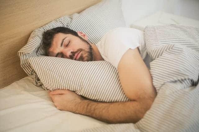 Mann im Tiefschlaf